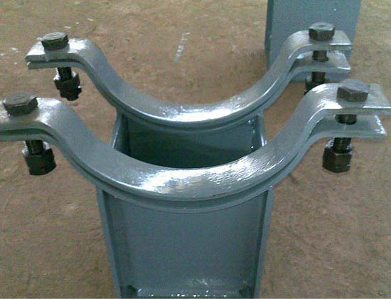 Pipe support and hanger